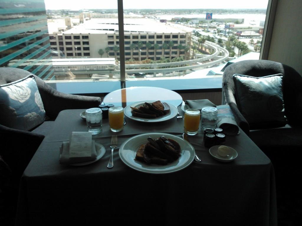 French toast - naše snídaně v MGM GRAND v Las Vegas.